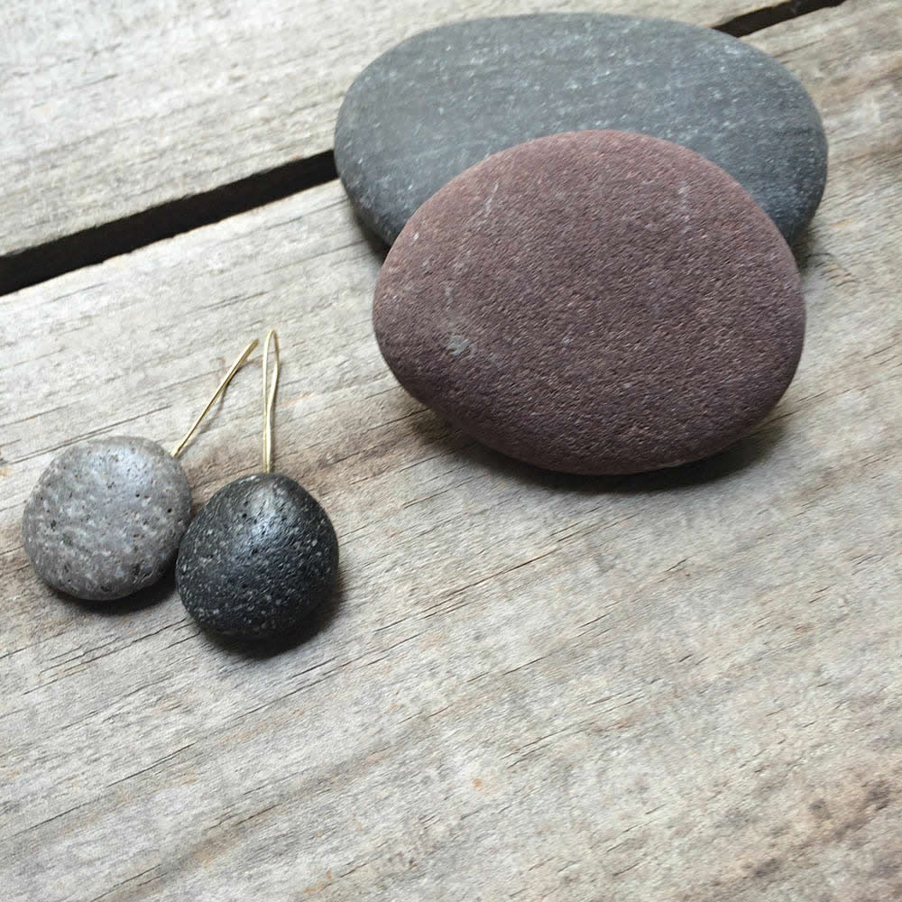 black & grey pebble earrings