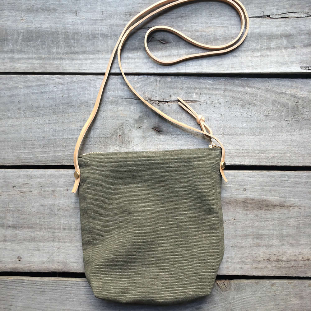 Green medium day bag